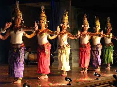 2012-03-27.12.10.05-cambodance.jpg