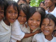 20131213075850-Cambodian-children-03