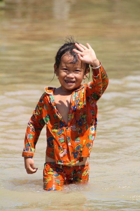 b42b0629cc1cb510b98d128f95bd3f8c--beautiful-children-cambodia