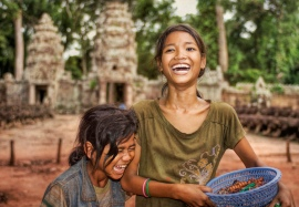 Smiling-Cambodian-Children